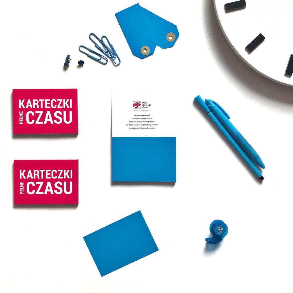 Elektrostatyczne Karteczki Pełne Czasu to świetnie narzędzie do codziennego planowania - niebieskie