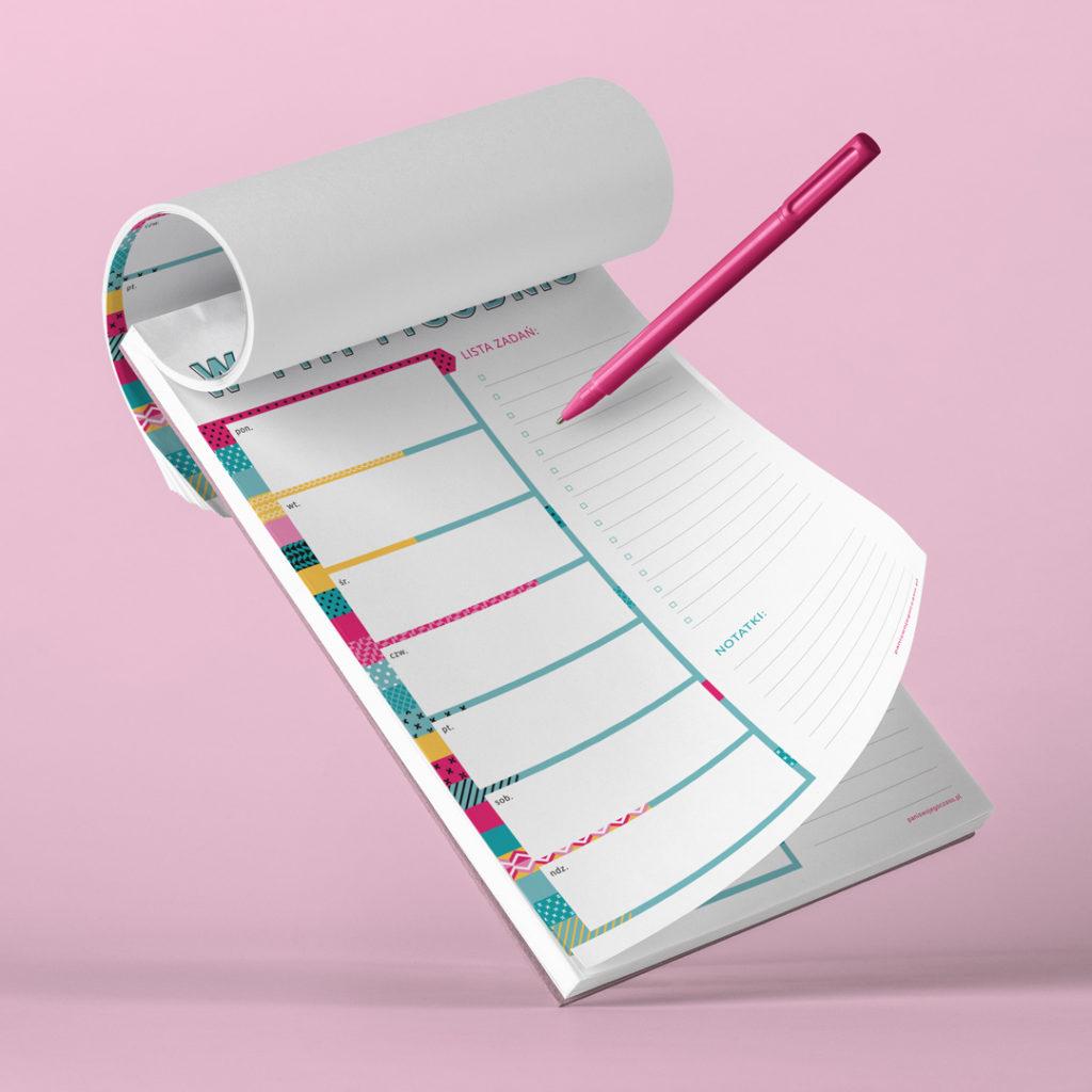 Lista tygodniowa to sposób na to, by rozplanować ważne działania z perspektywy całego tygodnia - bloczek