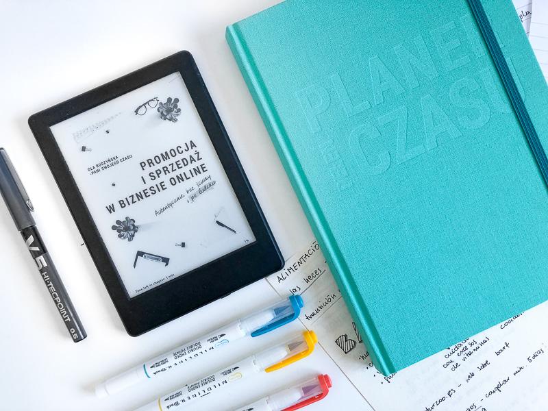 Czytnik e-booków i planer pełen czasu Malediwy