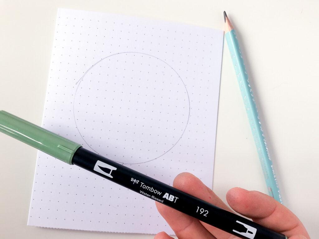 Kartka świąteczna DIY. Rysunek koła. Brushpen tombow dual i ołówek.