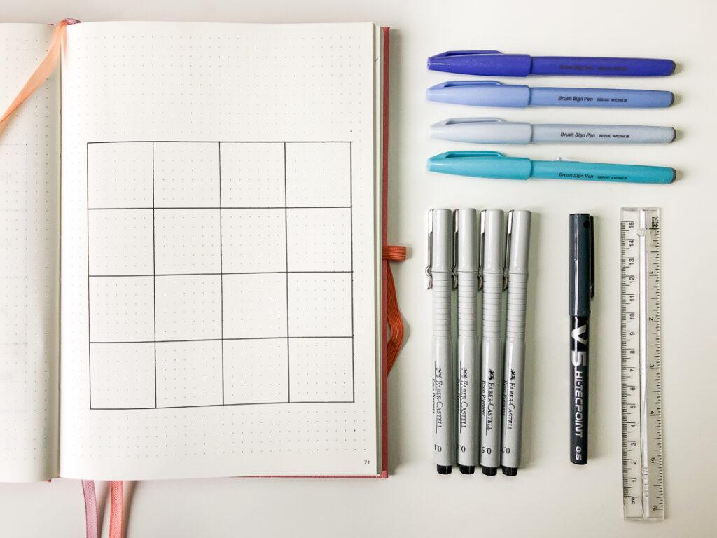 Rysowanie rozkładówki w bullet journalu.