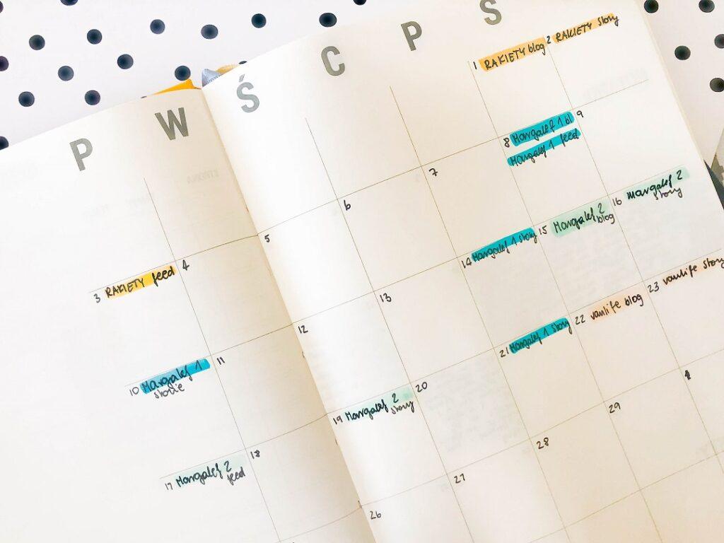 Miesięczny kalendarz publikacji